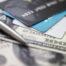 Banknoty i karty kredytowe
